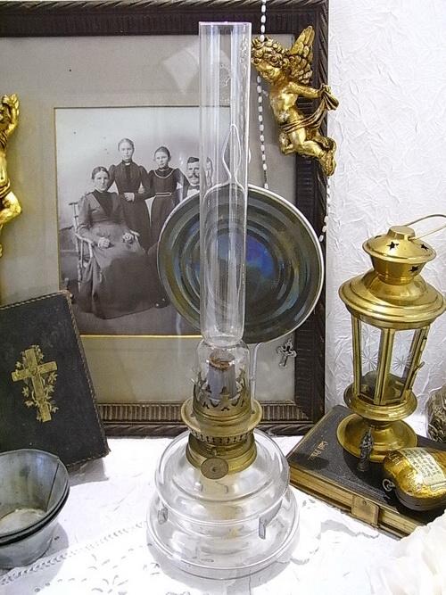 alte petroleum lampe leuchte wandlampe wandblaker messing vintage shabby chic ebay. Black Bedroom Furniture Sets. Home Design Ideas